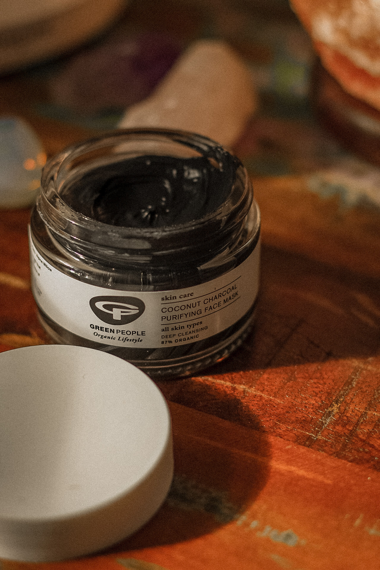 Green People Coconut Charcoal Purifying Face Mask | REVIEW